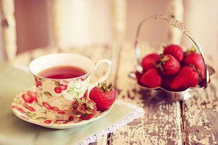 Os 20 Benefícios do Chá de Morango Para Saúde