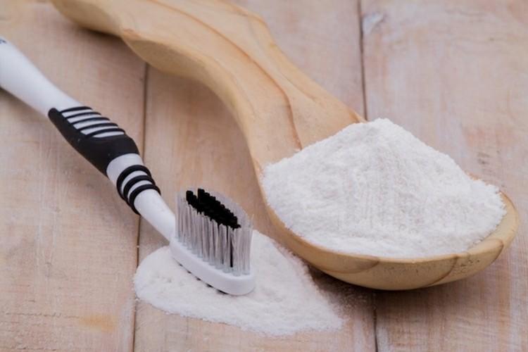 Como Clarear Os Dentes Gastando Menos De 10 Reais