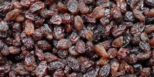 benefícios das uvas passas