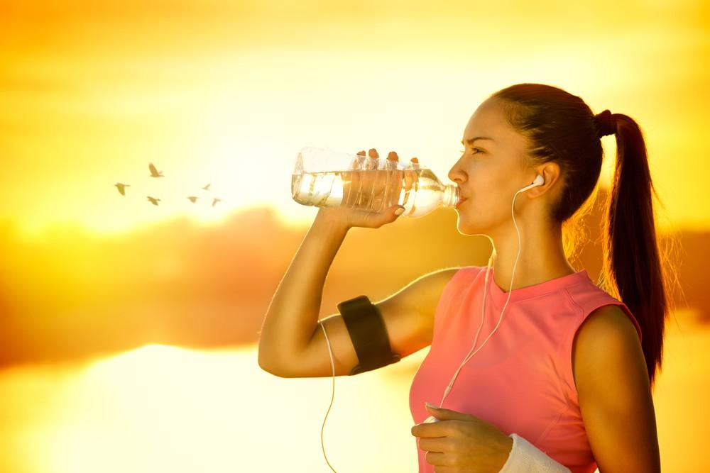 alimentos que ajudam a hidratar o corpo