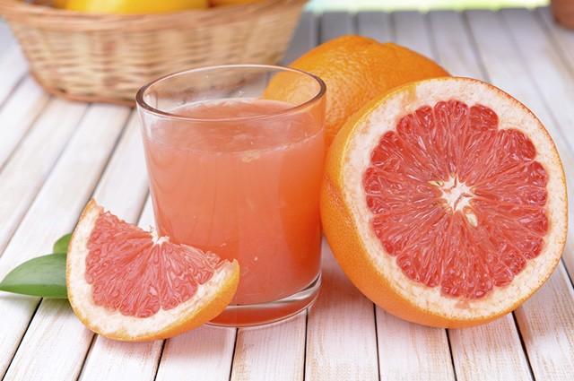 Os 30 Benefícios do Suco de Toranja Para Saúde