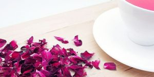 quais os benefícios do chá de rosa roxa?