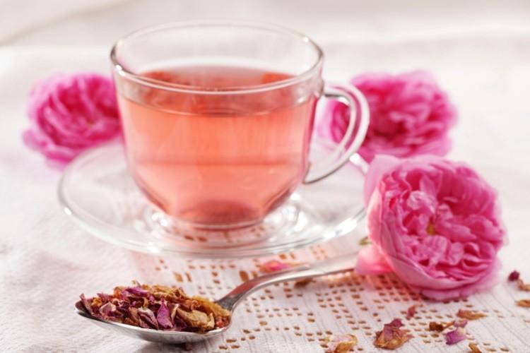 Os 15 Benefícios do Chá de Rosa Para Saúde