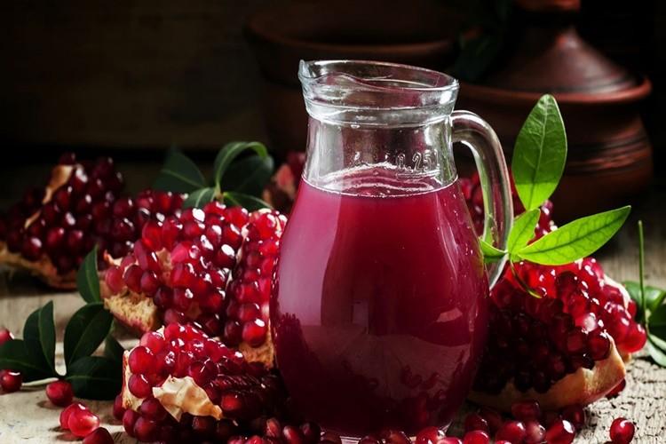 Os 20 Benefícios do Suco de Romã Para Saúde