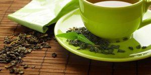 chá de confrei para combater doenças