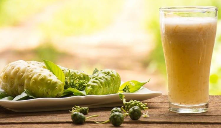 Os 30 Benefícios do Suco de Noni Para Saúde