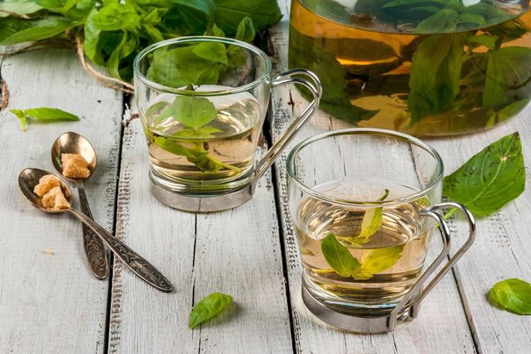 folhas de hortelã para aliviar a halitose