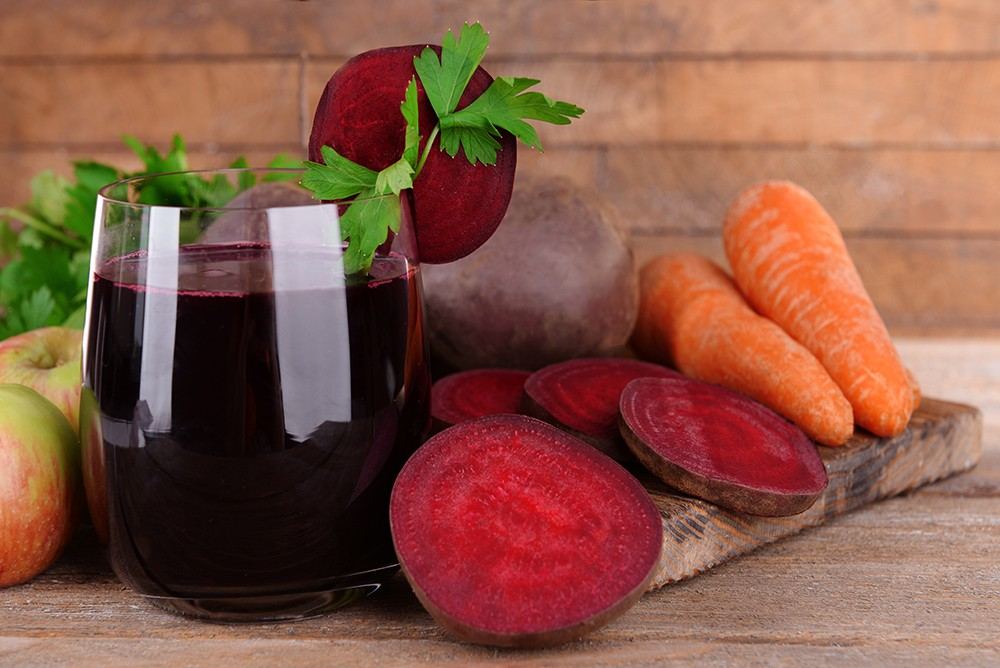 benefícios do suco de cenoura com beterraba