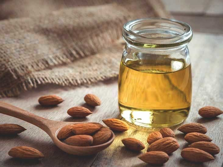 oleo de amendoa na pele